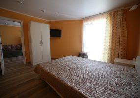 4-х местный 3-х комнатный номер в Ейске цены (комфорт)